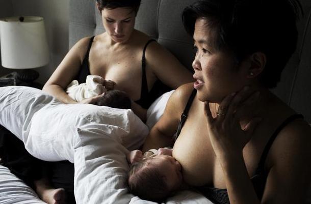 女同性恋夫妻同时怀孕生子,感激科学让她们家庭完整