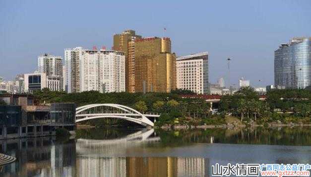 """南宁最丑的一座酒店 金光闪闪""""土豪""""气息十足"""