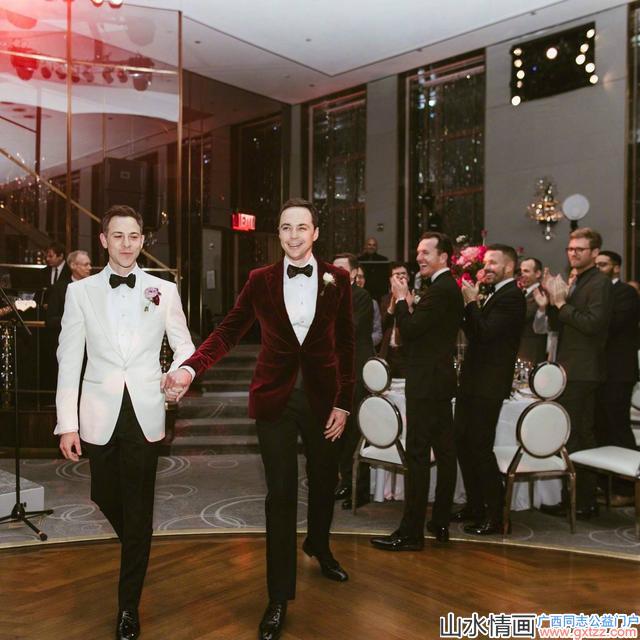 全球最受欢迎Gay,美剧年度收入最高男演员,恭喜谢耳朵结婚啦