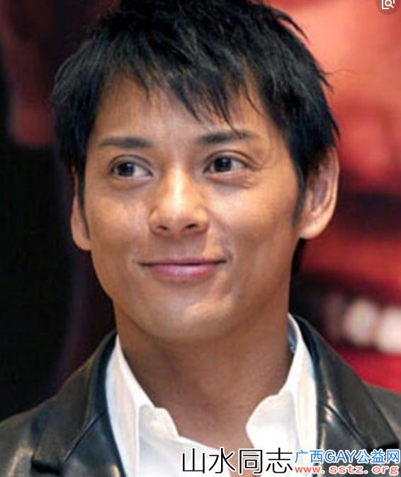 曾被称为香港第一帅哥,后被列入黑名单,如今在酒吧卖唱为生!