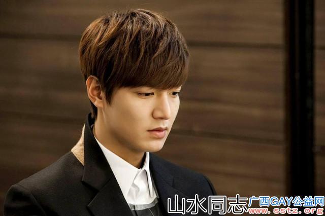 当红十大中国男星帅哥PK十大韩国男星帅哥,你觉得谁会更胜一筹呢
