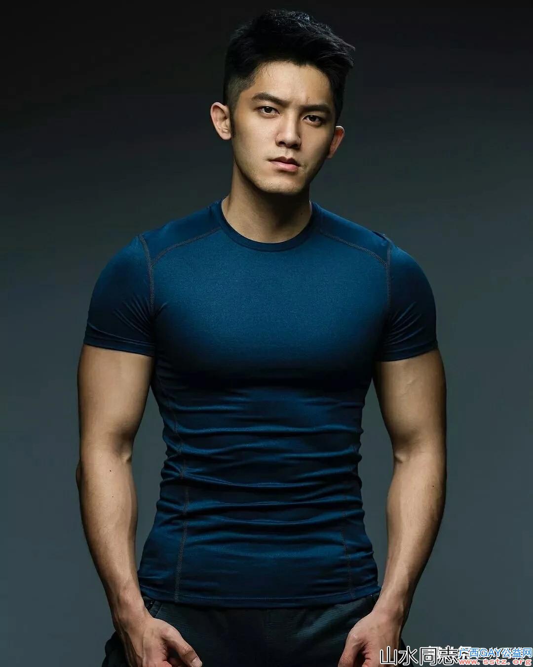 每日精选:来自台湾的帅哥健身教练林冠宇,体毛旺盛