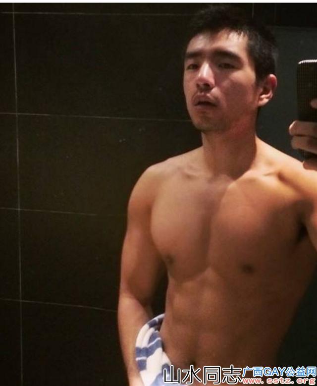 许多gay在浴室里面迷失了自己