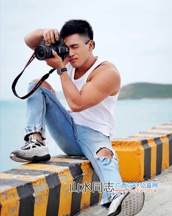 今日精选:台湾帅气小哥哥露肉性感私房照