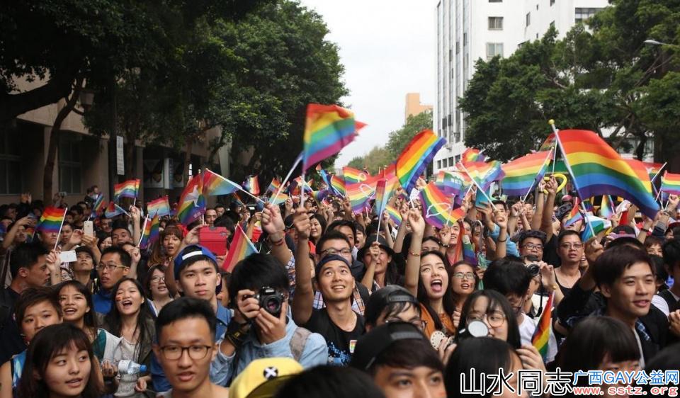 台湾同性恋合法化:1600万中国同妻又该何去何从?