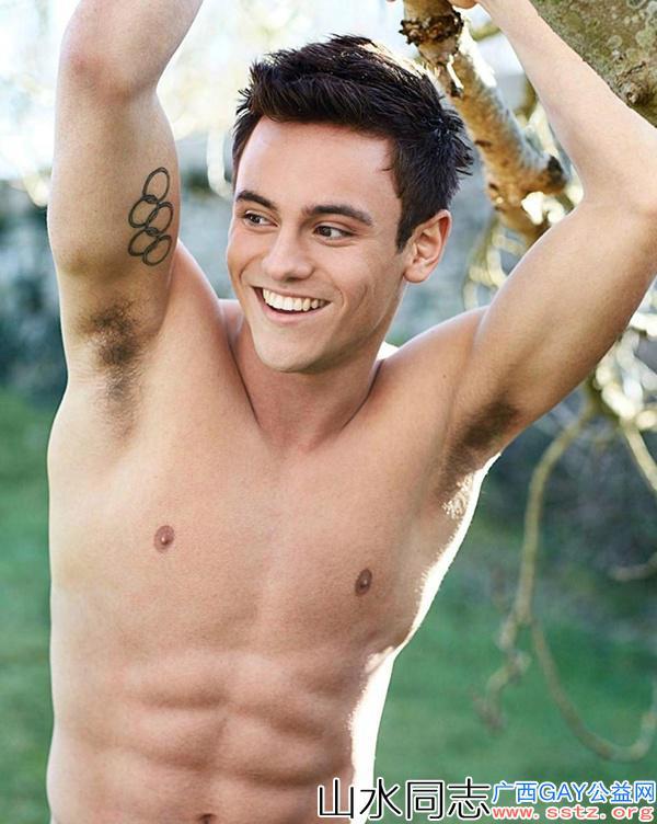 英国最性感肌肉型男,身材优秀腹肌有型,贝克汉姆排第二