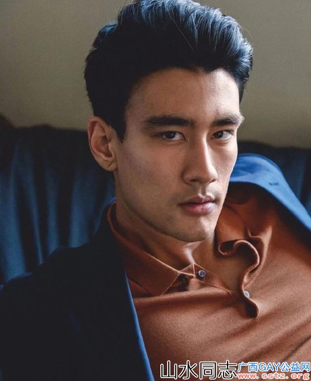 非常可口的亚裔男星Alex*Landi