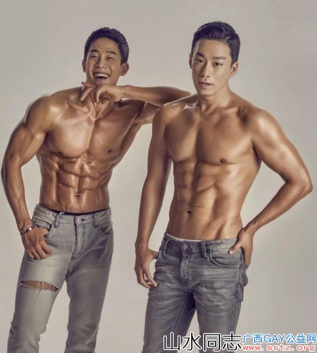 帅气的韩国欧巴不亏是宇宙男神,一身肌肉太惹眼球了