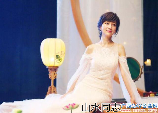 赵雅芝32岁儿子曝光,帅得一无是处,至今仍在依靠母亲!